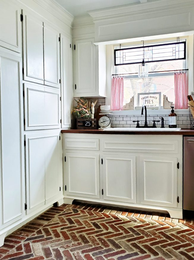 Farmhouse Christmas kitchen Farmhouse Kitchen with brick floor brick paver kitchen floor