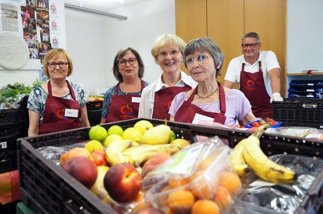 Versorgung von 130 Haushalten: Beim Team der Tafel in Köln-Dellbrück sind die Engpässe noch nicht so deutlich zu spüren.