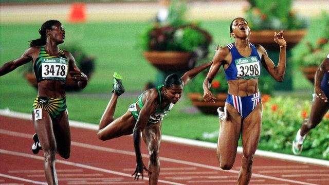 france-s-marie-jose-perec-r-3298-wins-the-women-s-200-m-race-with-merlene-ottey-3478-of-jamai_1032014