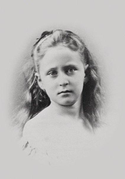 Принцесса Гессенская и Великобританская Элла. Начало 1870-х гг.