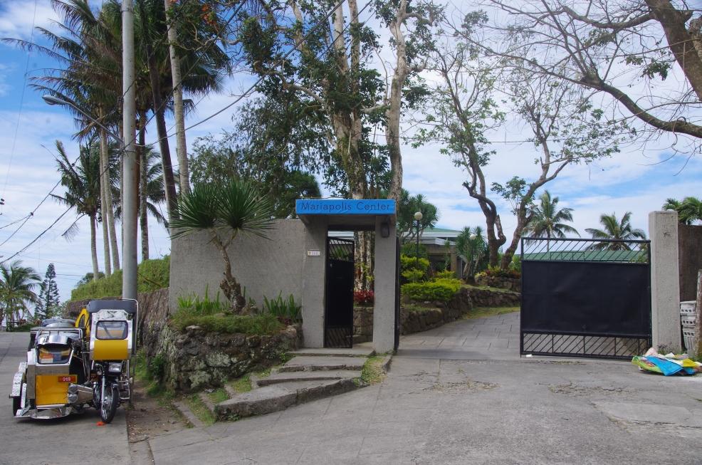 Mariapolis entrance