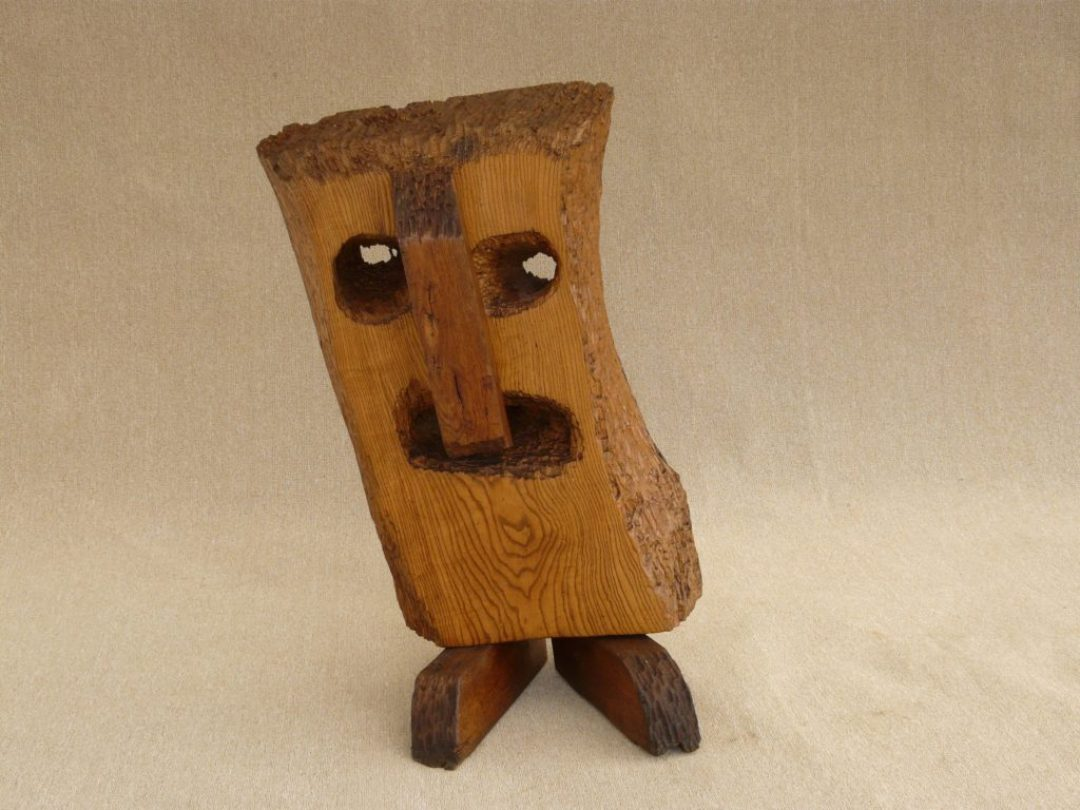 Annie Vairon, Le Hibou, nd, sculpture sur bois, 100 x 50 cm (photo Prodia)