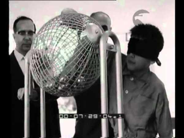 Bambino bendato, estrazione del 30 09 1959, Istituto Luce