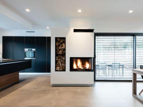 Installation réalisée par FONDIS EXPO : foyer FONDIS ULYS 700 d'angle
