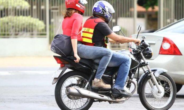 Serviço de mototáxi é regulamentado em Arraial do Cabo