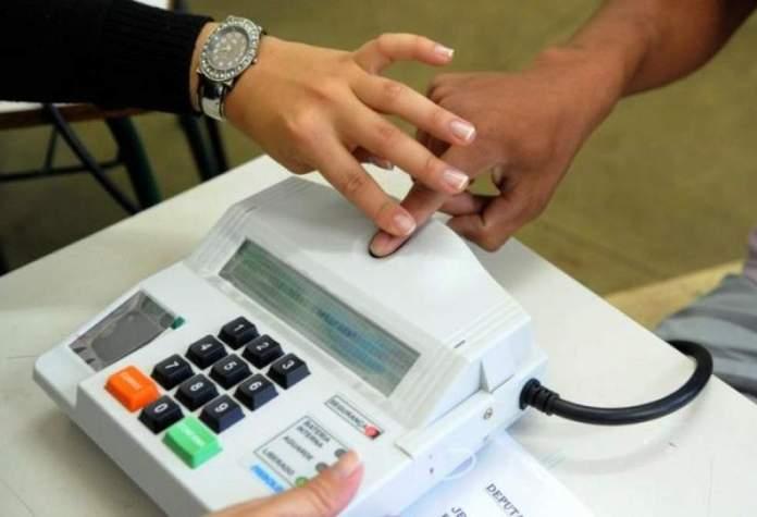 A zona eleitoral de Arraial do Cabo está realizando a revisão do eleitorado do município