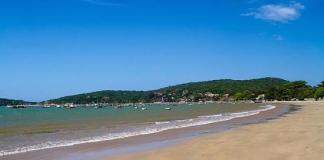 A Prefeitura de Búzios, por meio da Coordenadoria de Posturas, realizou uma operação nessa quarta-feira (28), para impedir as atividades irregulares, que estavam sendo realizadas em um bar montado sem autorização na Praia de Manguinhos.