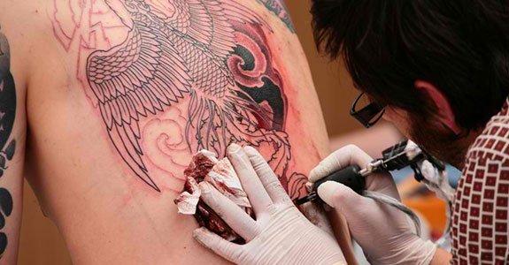 TAKE CARE TATOO - Como Cuidar de Tatuagem e Preservar a Saúde!