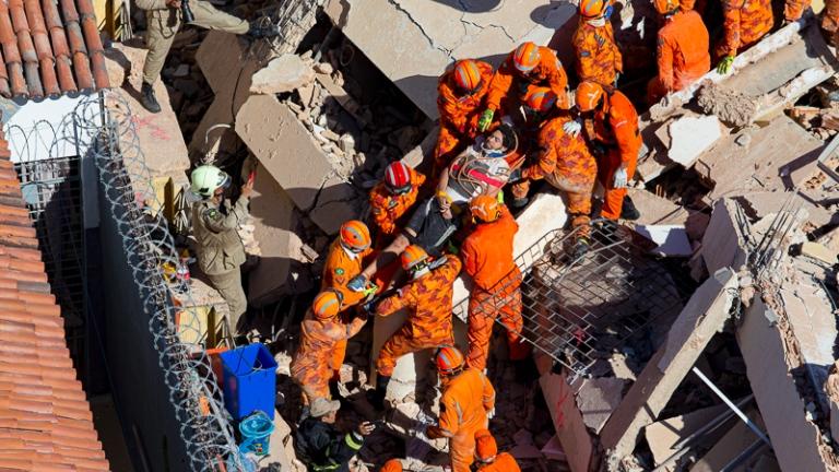 Edifício Andréa: 6° morte do desabamento é confirmada pelos bombeiros