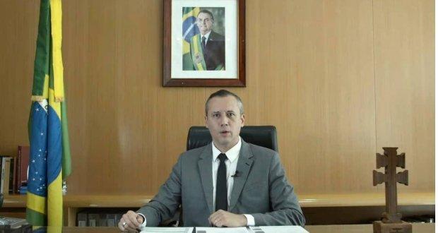 Governo demite secretário de Cultura após copiar discurso do ministro de Hitler