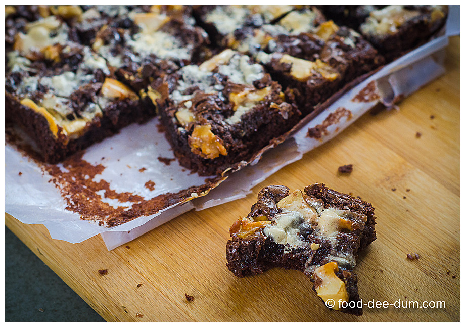 Food-Dee-Dum-Ruggedly-Loaded-Brownies-18