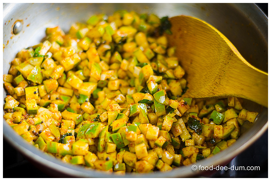 Food-Dee-Dum-Raw-Mango-Pickle-11