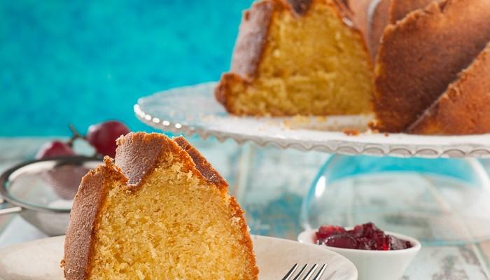 Classic Sour Cream Pound Cake