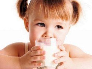 Детям нужно пить молоко