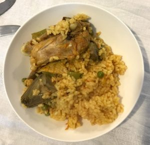 Paella with artichokes