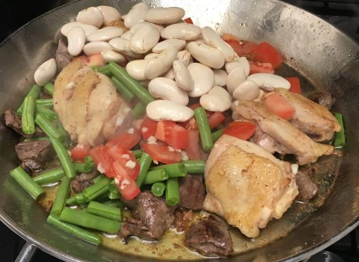 Garrofó beans in the paella