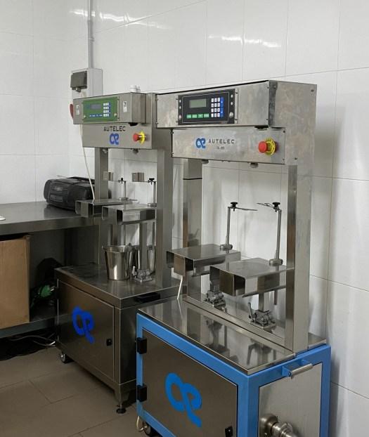 Oil bottling machines