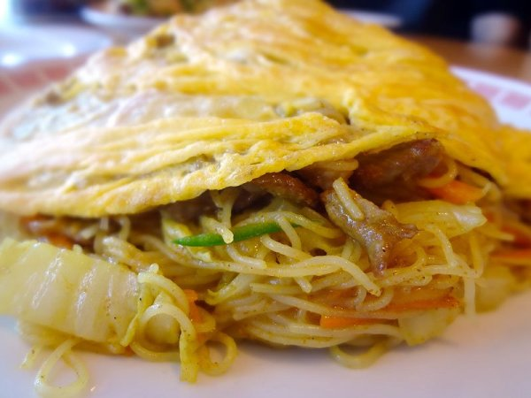 singapore-noodles-side-view