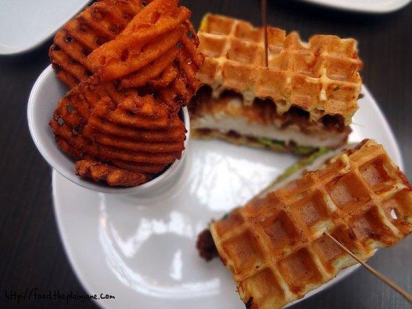 chicken-n-waffles-sandwich