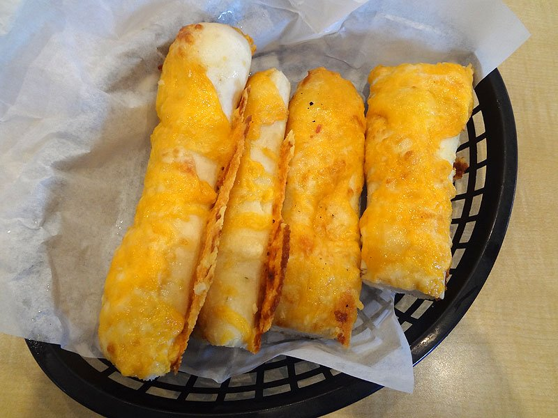 Can Cheddar Make The Breadstick Better O S American Kitchen This Tasty Life