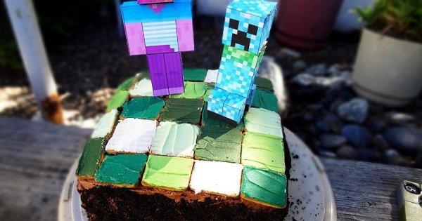 Astounding Minecraft Cake Steve Creeper This Tasty Life Funny Birthday Cards Online Eattedamsfinfo