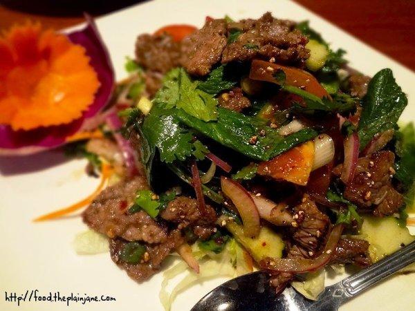 yum-nuah-beef-salad-takhari-thai