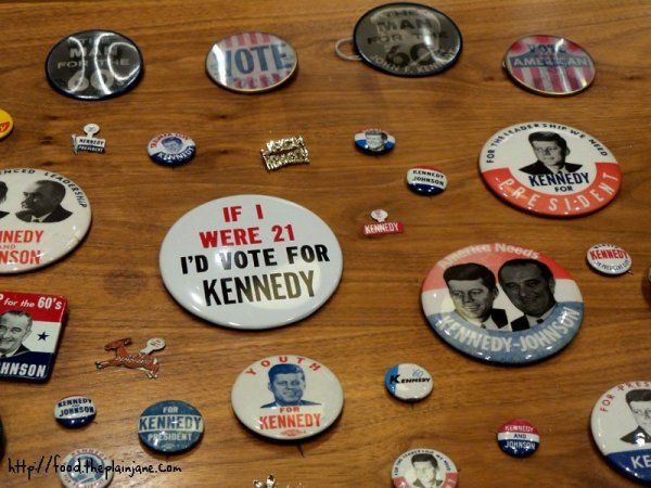 kennedy-johnson-voting-political-pins
