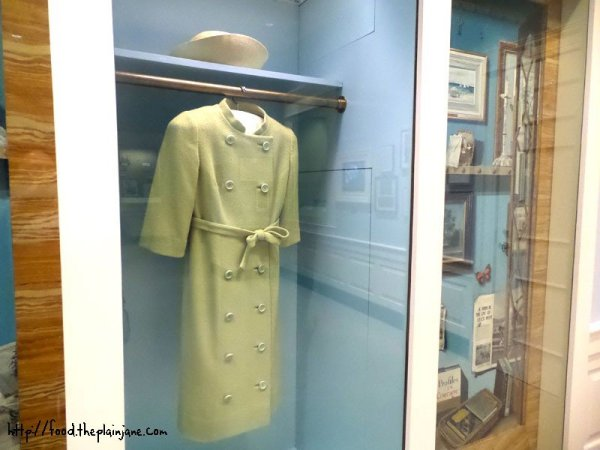 jackie-kennedy-green-dress-jacket