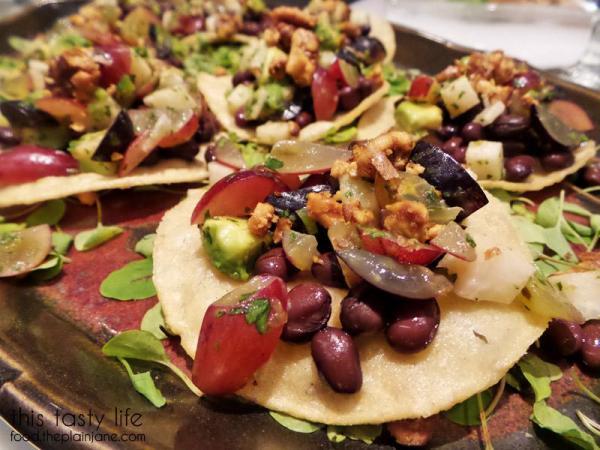 Toastadas with Grape Jicama Salsa / California Grapes
