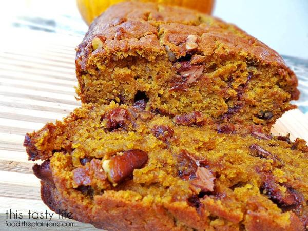 Look at those chocolate chips! Yum! Pumpkin Chocolate Chip Pecan Bread | This Tasty Life - food.theplainjane.com