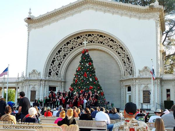 carolers-organ-pavillion