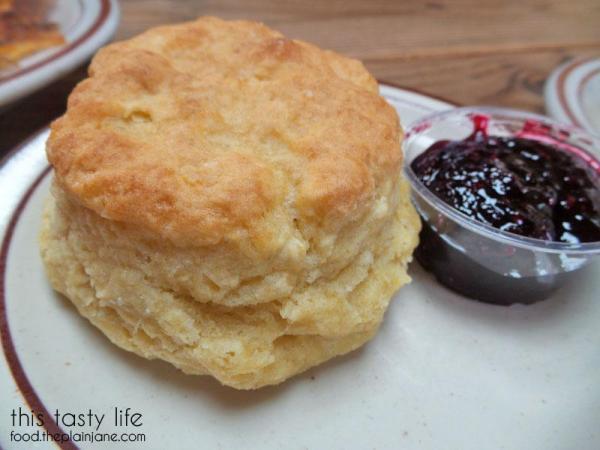 biscuit-marionberry-jam