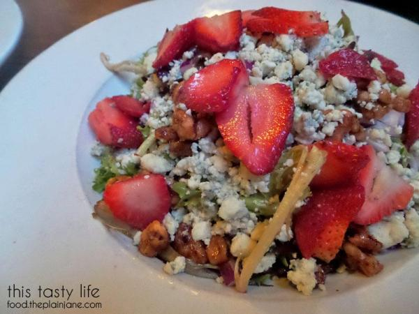 strawberry-blue-cheese-salad