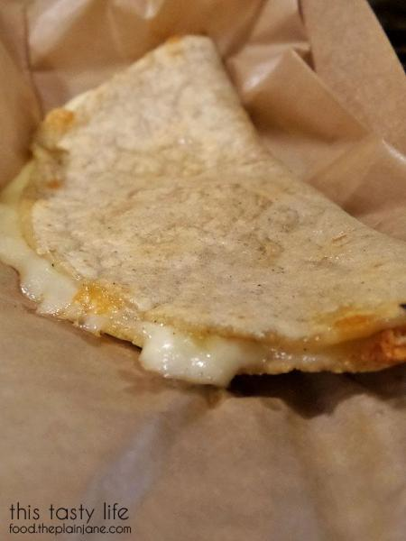 cheesy-quesadilla-salud