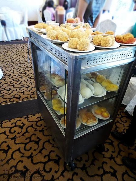 dessert-dim-sum-cart