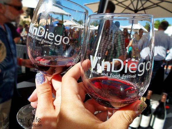 9-glasses-of-red-wine-vindiego