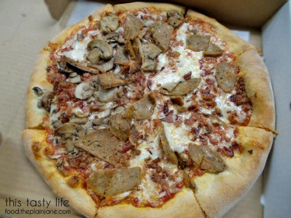 espresso-pizza-bacon-meatball-mushroom