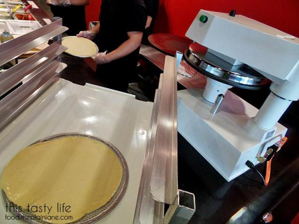 Dough Maker | Pizzanometry | Mira Mesa / San Diego, CA / This Tasty Life - http://food.theplainjane.com
