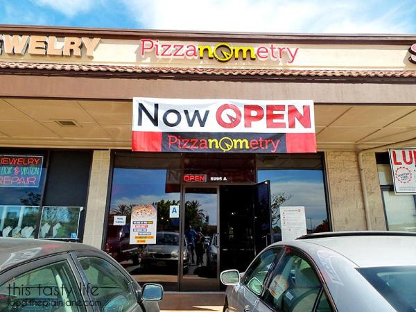 Pizzanometry is a new create-your-own pizza joint. | Mira Mesa / San Diego, CA / This Tasty Life - http://food.theplainjane.com