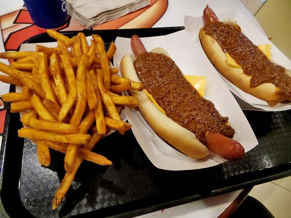fries-and-dogs-pinks