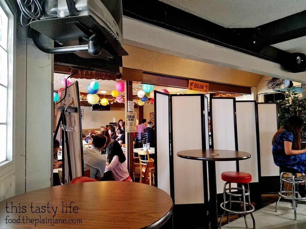 Weird divider | Matua's Sushi Bar and Islander Grill - Chula Vista, CA