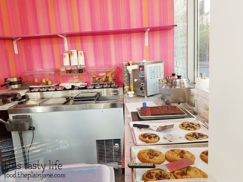 Peek Inside at Sloan's Ice Cream | San Diego, CA