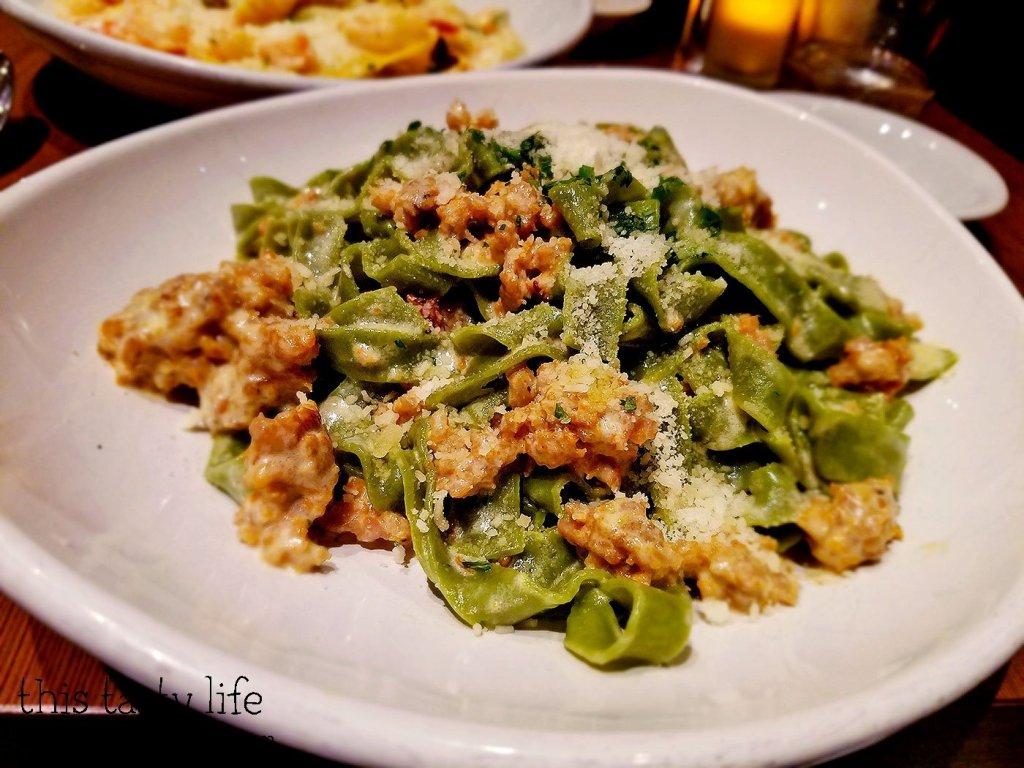 tagliatelle-spinach-italian-sausage-bencotto