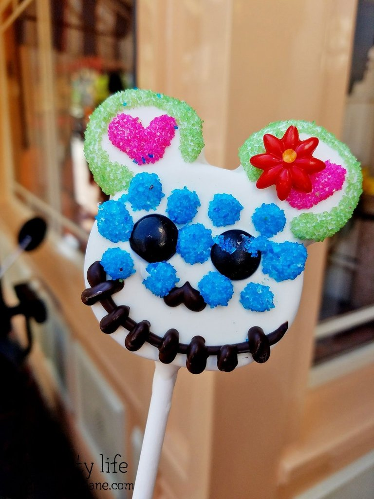 day-of-the-dead-mickey-cake-pop