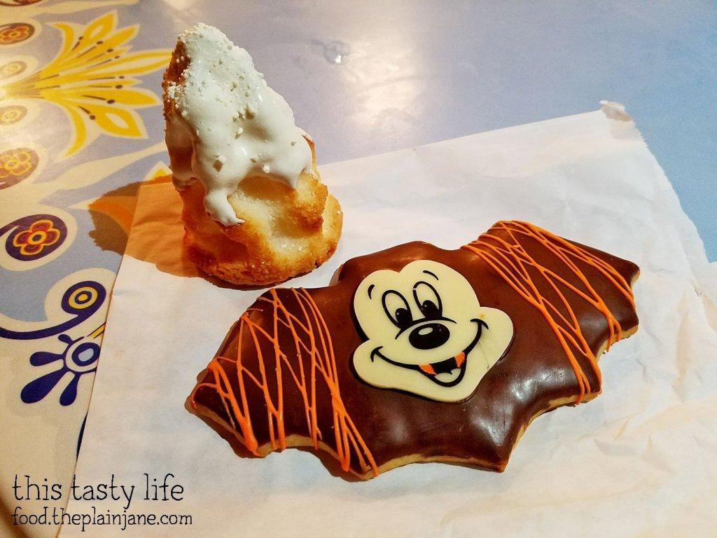 jolly-holiday-bakery-treats
