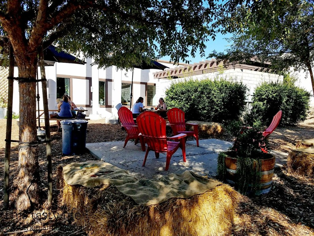 Outdoor seating at The King's Craft Coffee Co / Poway, CA