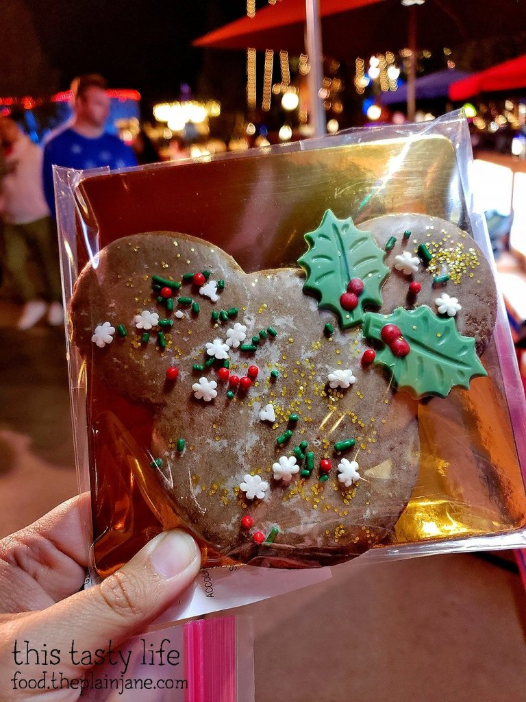 Gingerbread Mickey - Festival of Holidays - Disney California Adventure