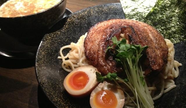 新大阪の大繁盛店「時屋」。めっちゃおすすめのつけ麺。食べれば食べるほど美味しくなっていく