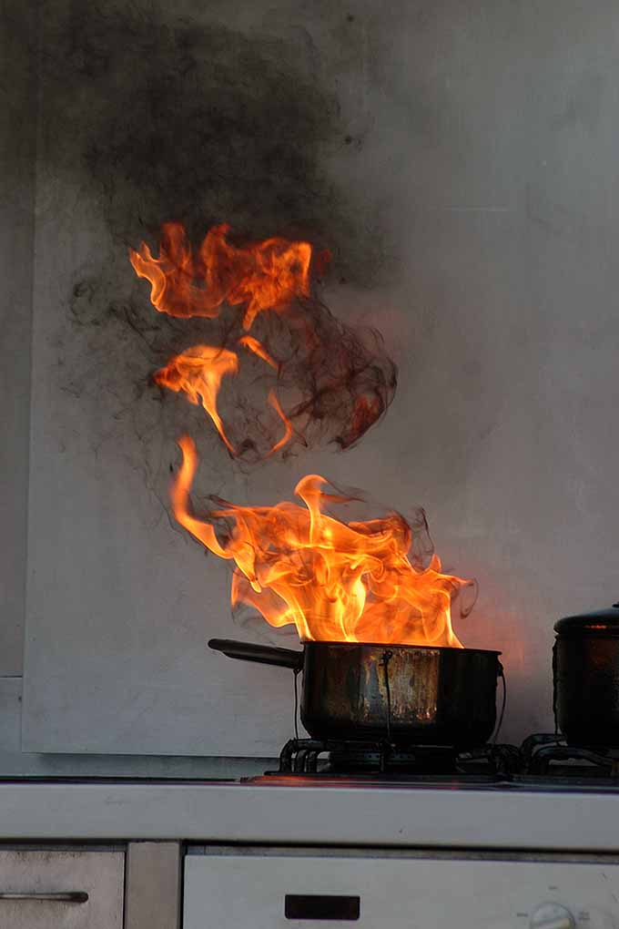 11 Top Tips for Kitchen Safety  Foodal