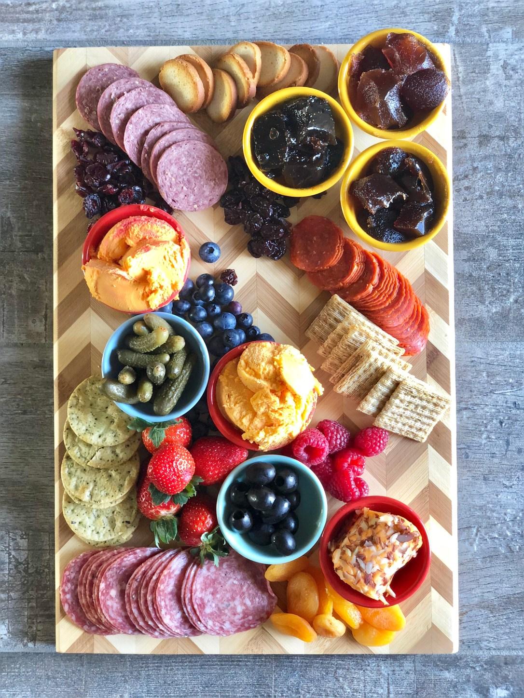 How to Make a Charcuterie and Cheese Board #ad #kaukauna100